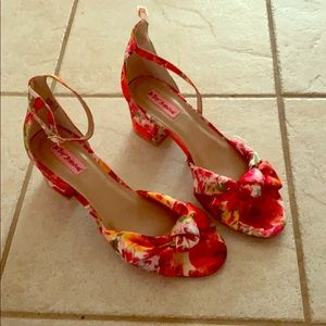 Betsy Johnson open-toe Floral strappy Sandles